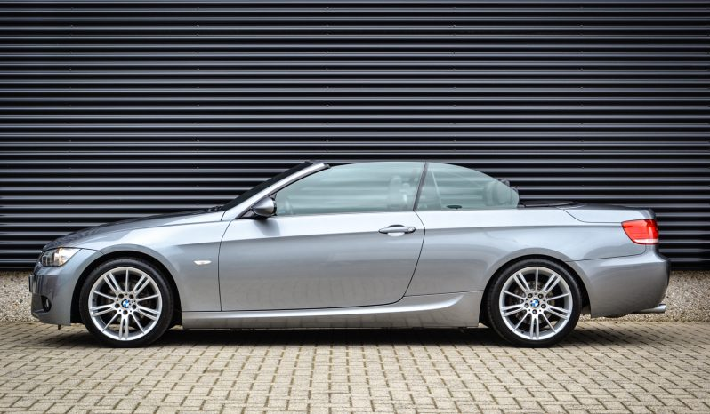 BMW 320i Cabrio Executive M-sport vol